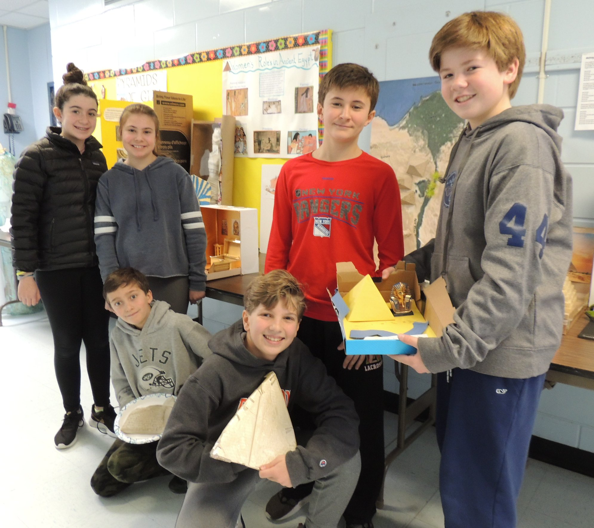 LH Students Show Egypt Projects