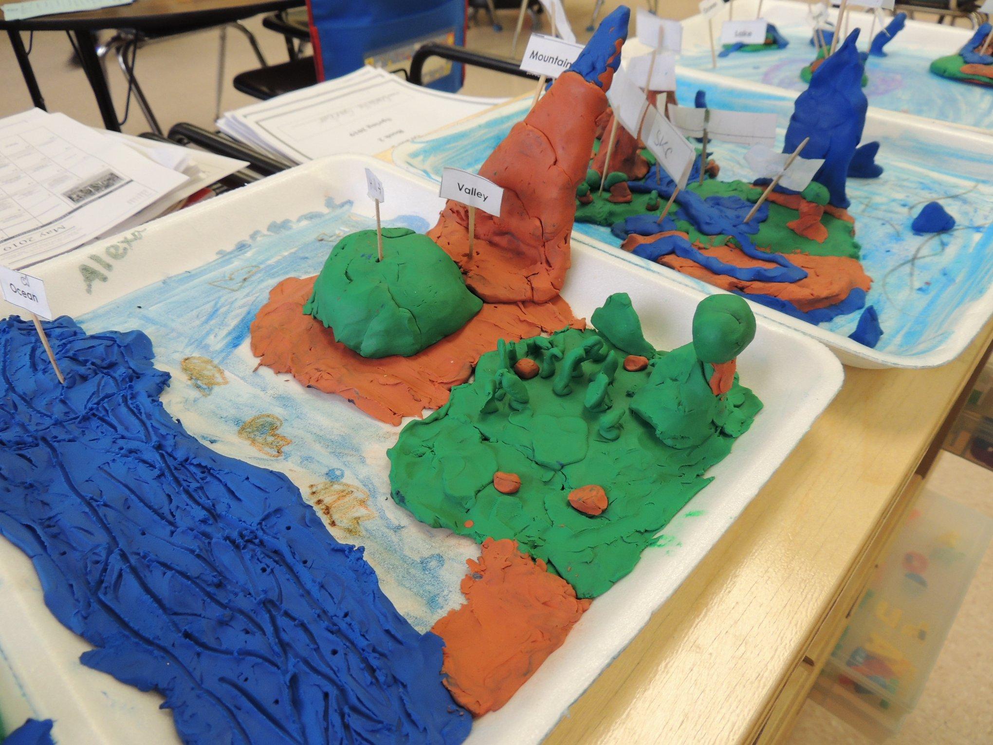 LH 2nd Graders Build Landforms